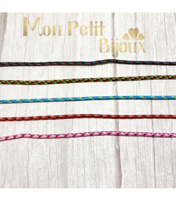 Cuelga mascarilla con cordón de colores